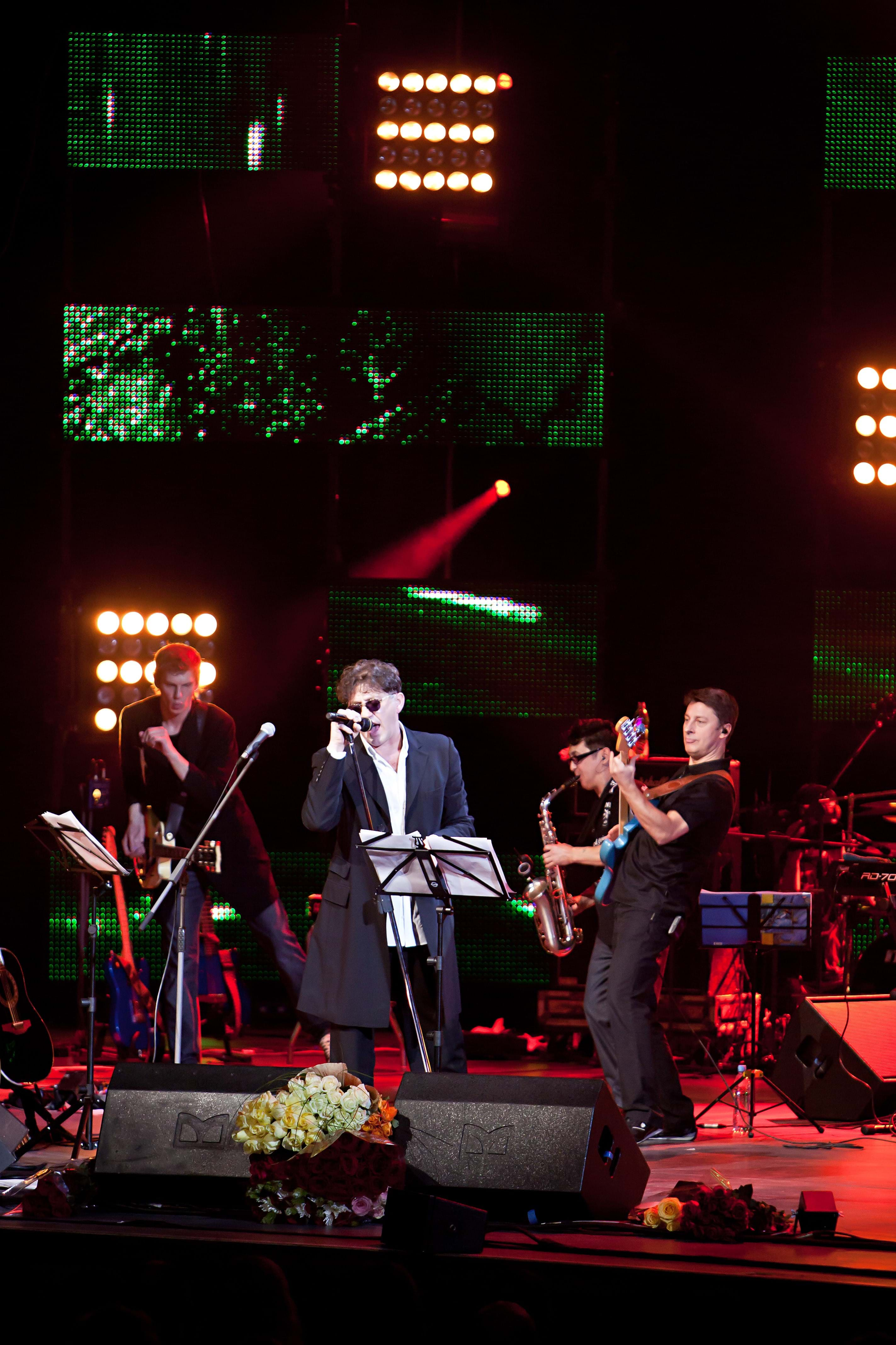 2011.12.16 - Grigory Leps and Alexander Rozenbaum - Kremlin Palace